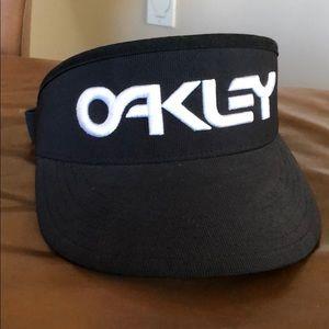 Men's Oakley visor